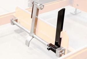 Abrazadera de troncos mejorada, con un nuevo accesorio diseñado para agarrar fácilmente la última tabla para su corte.